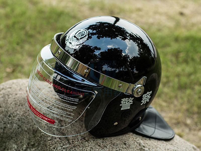 靖江固安:分析防暴头盔的特点